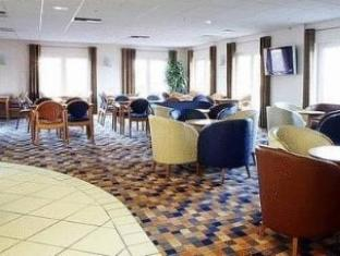 Holiday Inn Express Peterboroughs image