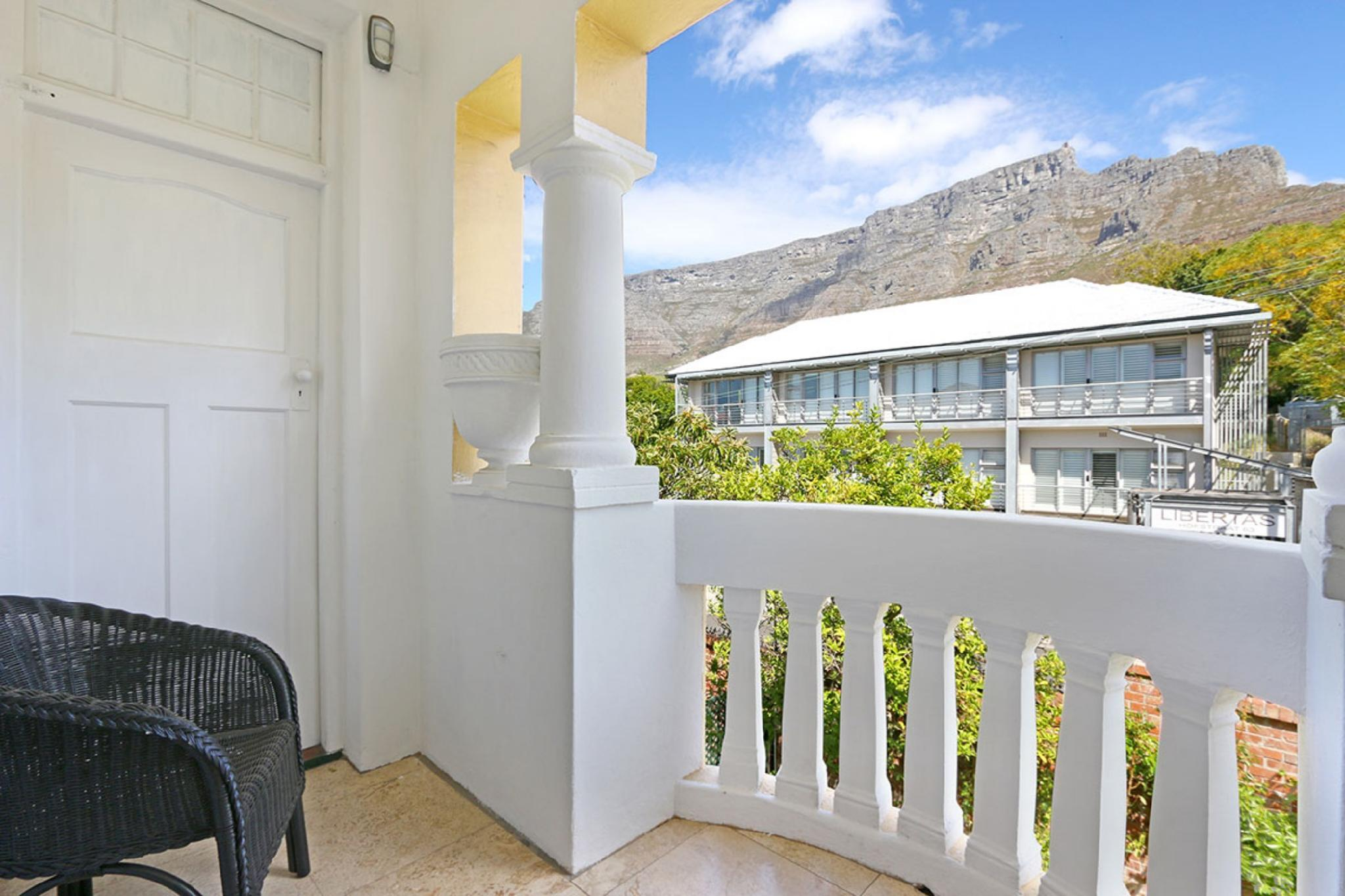 Table Mountain Views From Lovely 2 Bedroom Apt