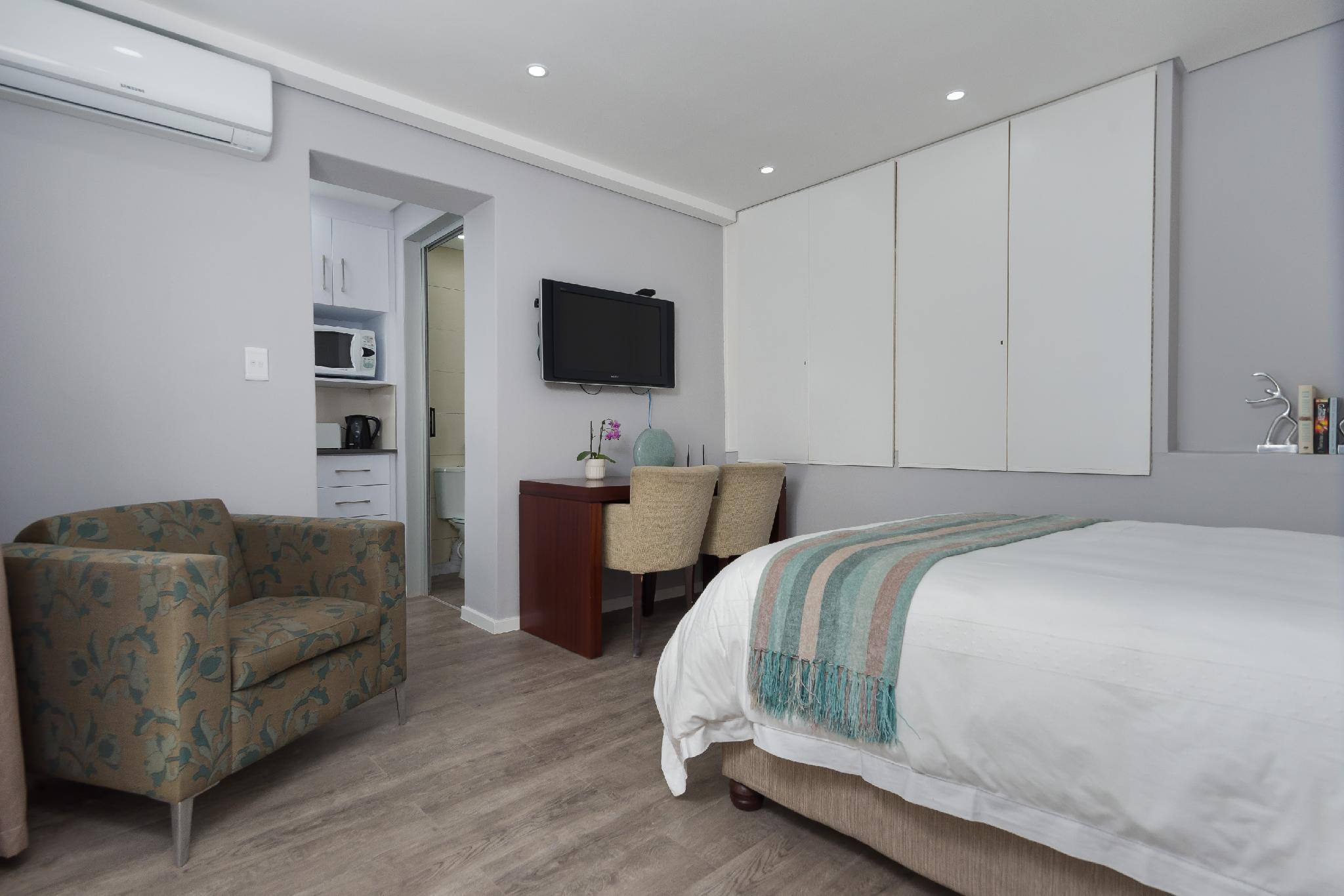 Cute Sea Point Private Apartment   With Potable Water