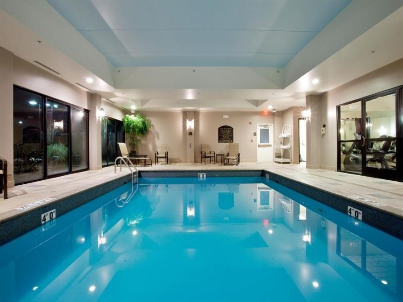 Holiday Inn Express And Suites Newport News
