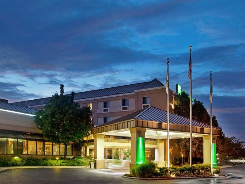 Holiday Inn Hotel And Suites Chicago Carol Stream Wheaton