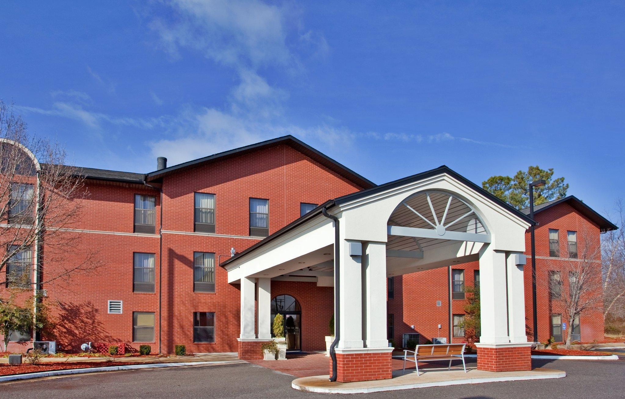 Holiday Inn Express Hotel And Suites Batesville