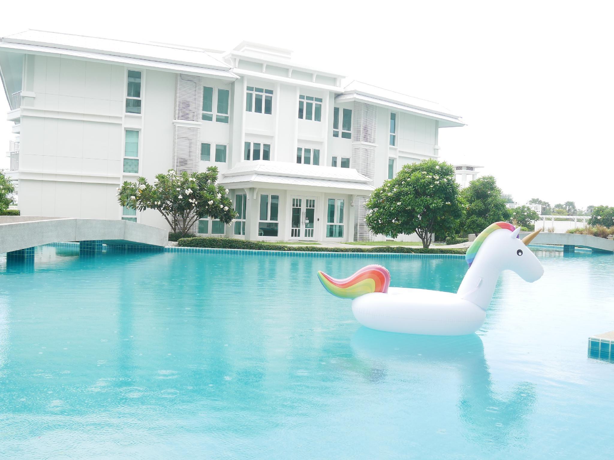 The Energy HuaHin Private BeachandLuxury Pool Access