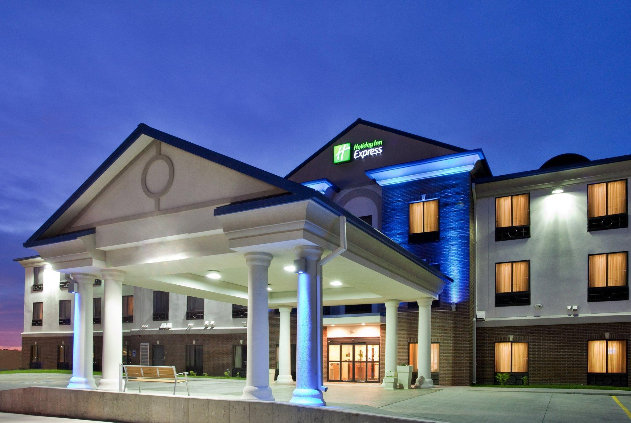 Holiday Inn Express Hotel And Suites McPherson