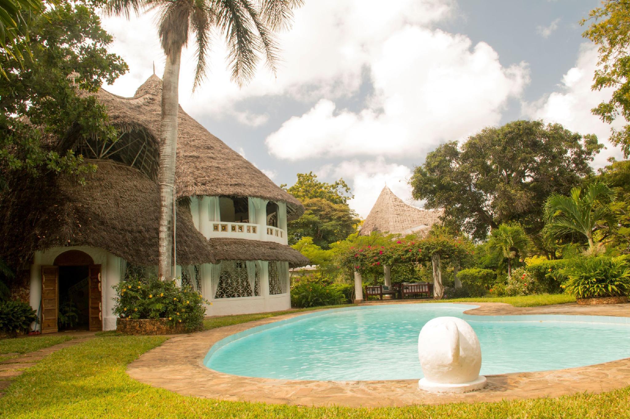 HHVilla Kenyan Coast Traditional Villa