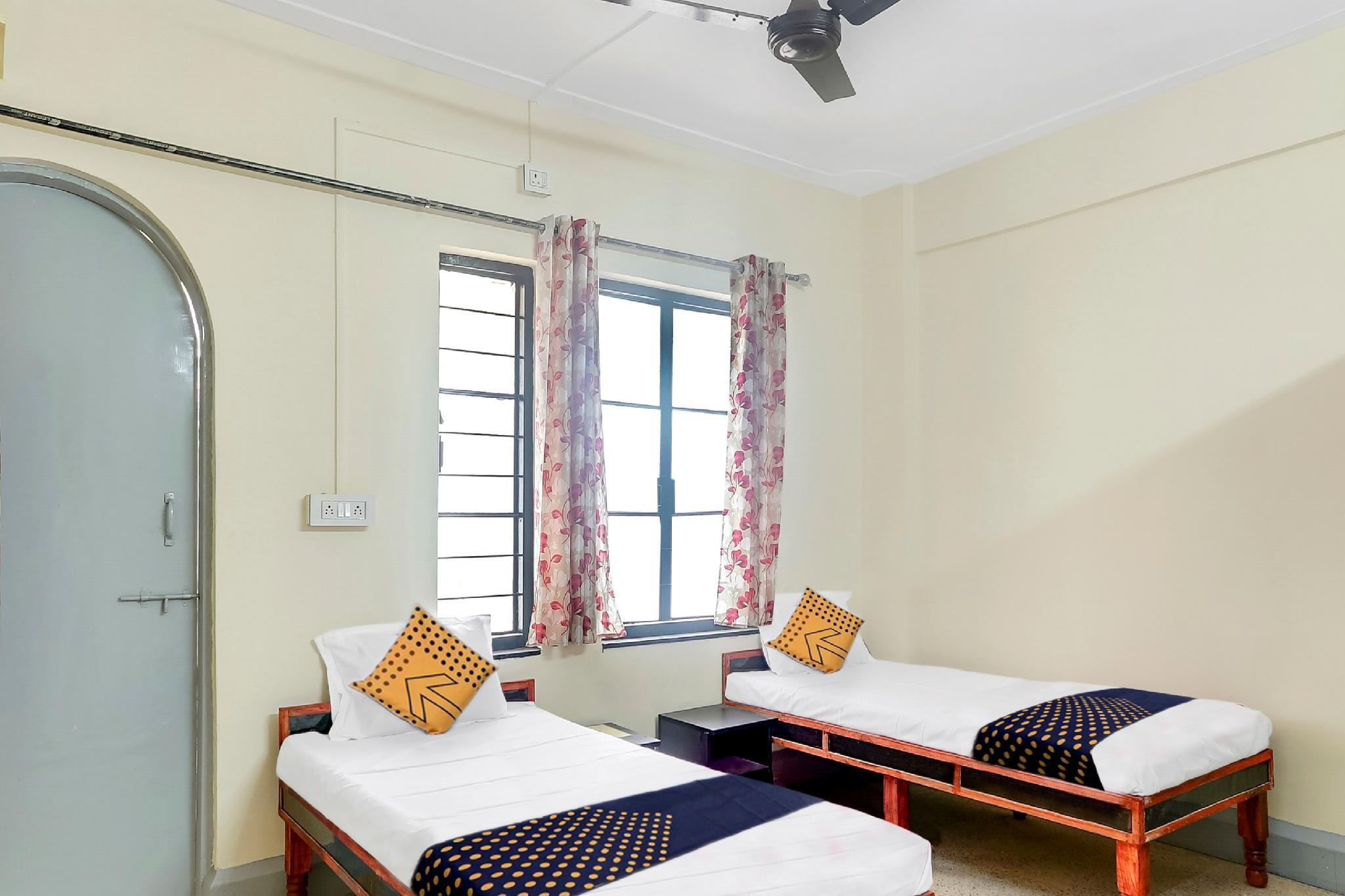 SPOT ON 60586 Prakash Lodge