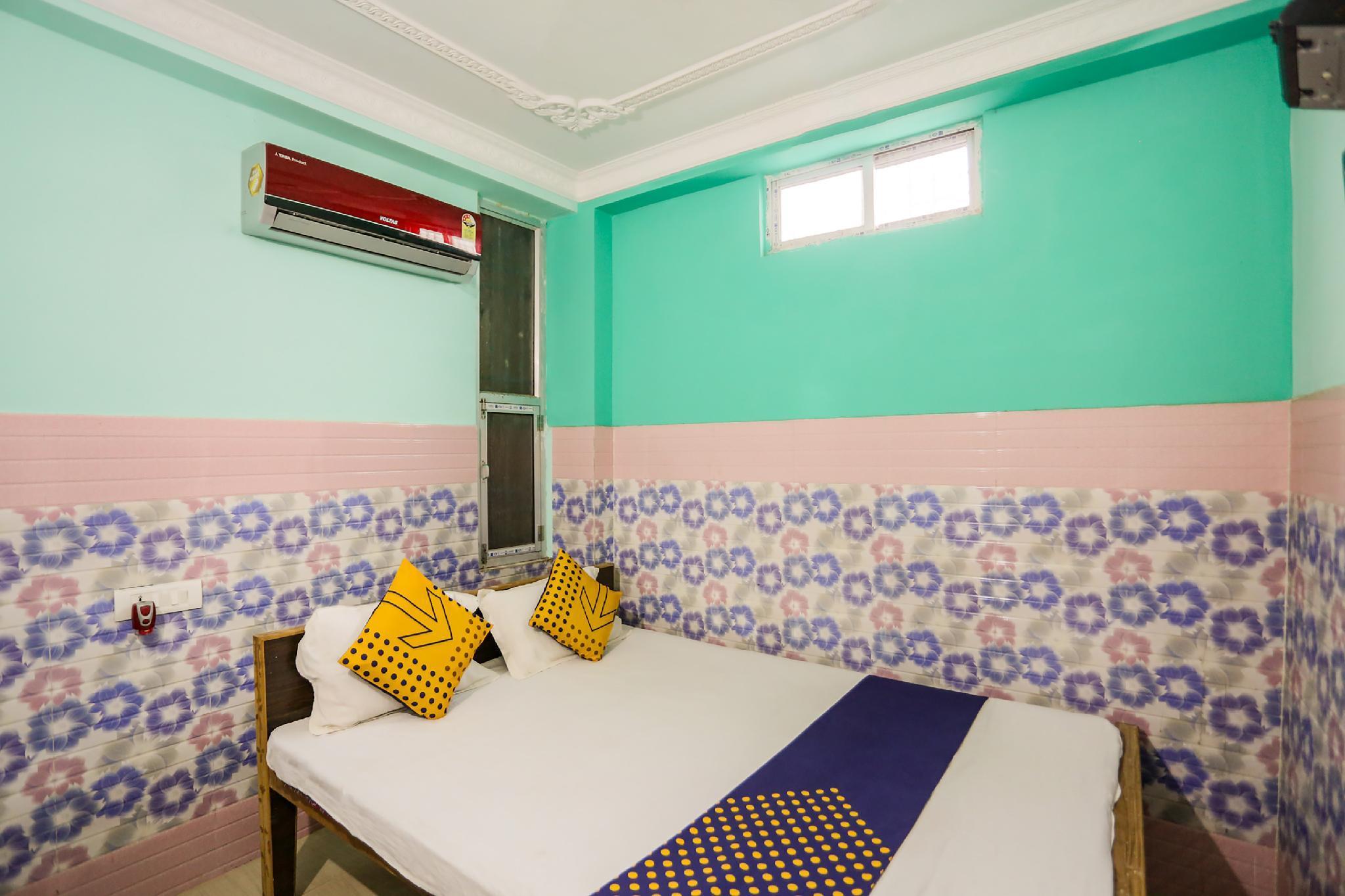 SPOT ON 61524 Hotel Galaxy Inn