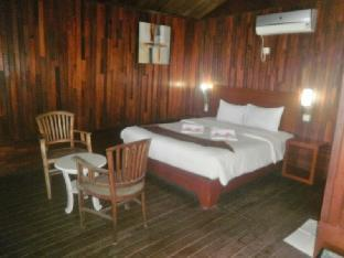 Cavery Beach Hotel