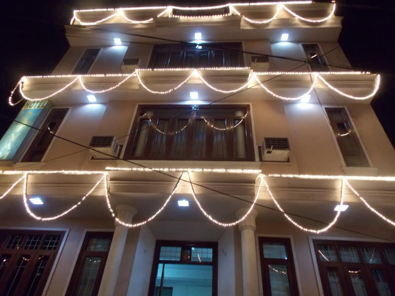 Hotel Satyam Reviews