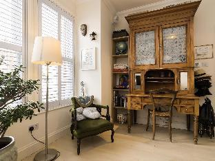 Veeve  3 Bed House On Sunderland Road South Ealing
