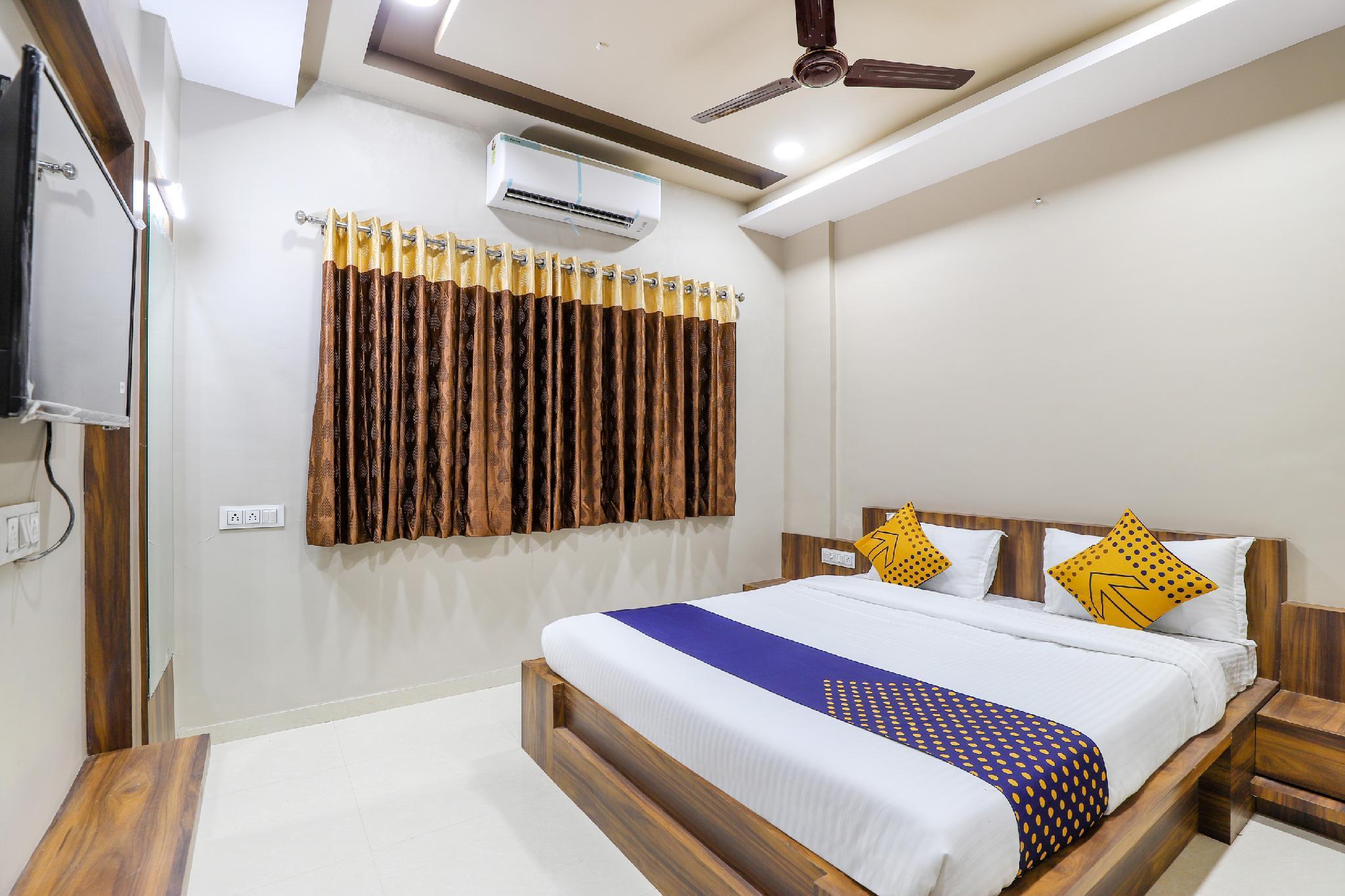 SPOT ON 63297 Hotel Kalapi