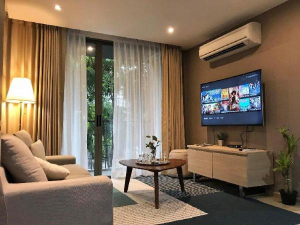 SI COZY 2 BEDROOM CONDO@SILOM POOL WIFI  Bangkok