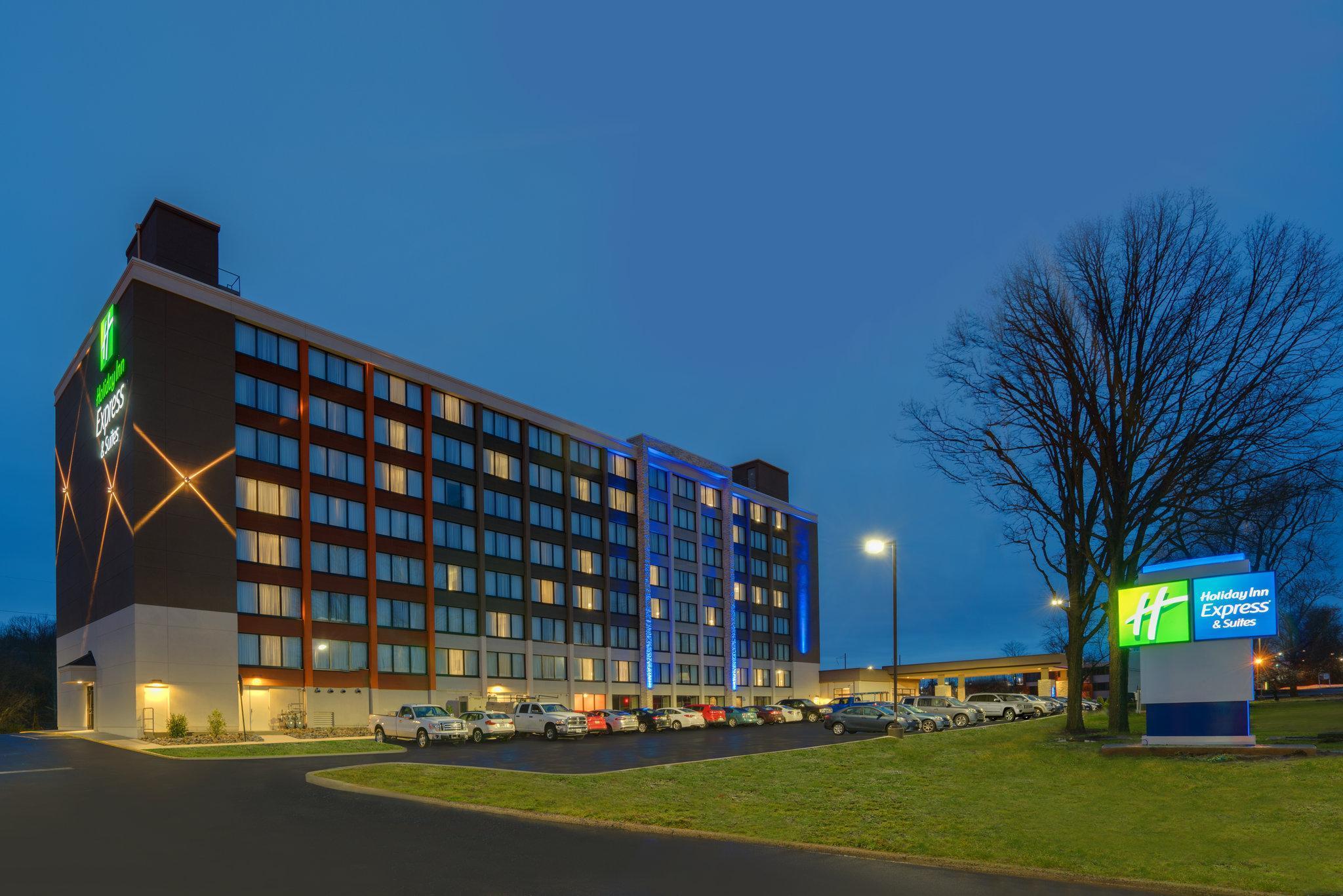 Holiday Inn Express & Suites Ft. Washington   Philadelphia