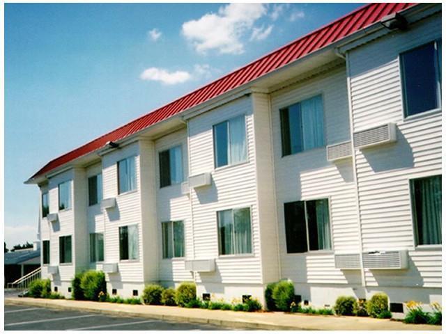 Thomson White Columns Inn In United States  North America