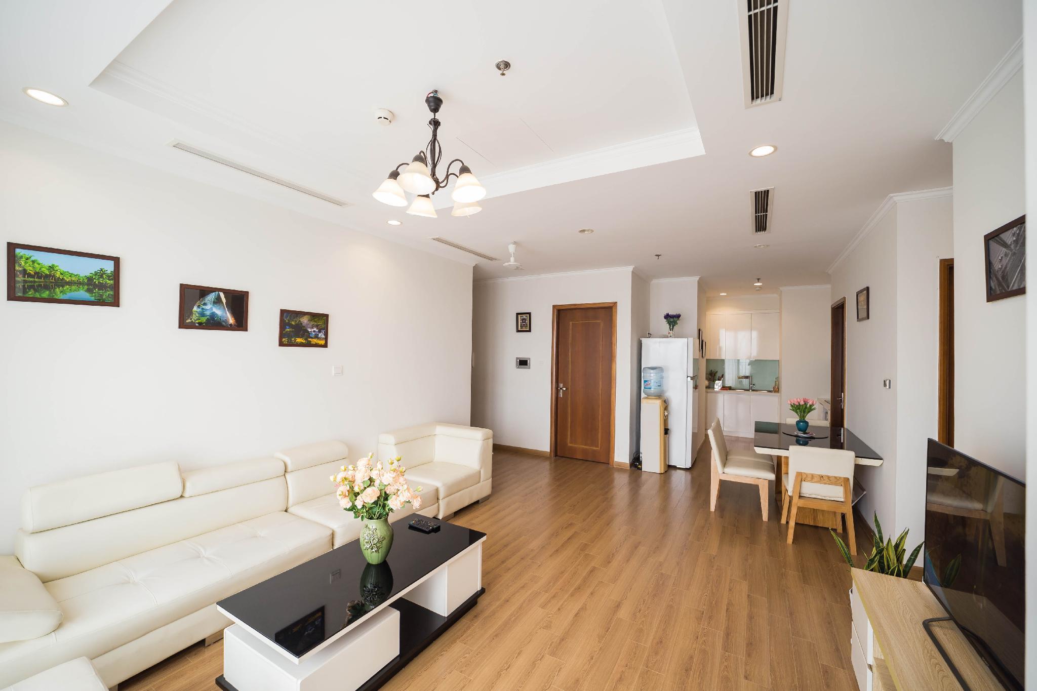 Luxury Apartment 3BDR 5 *  Vincom Royal R6 Hanoi