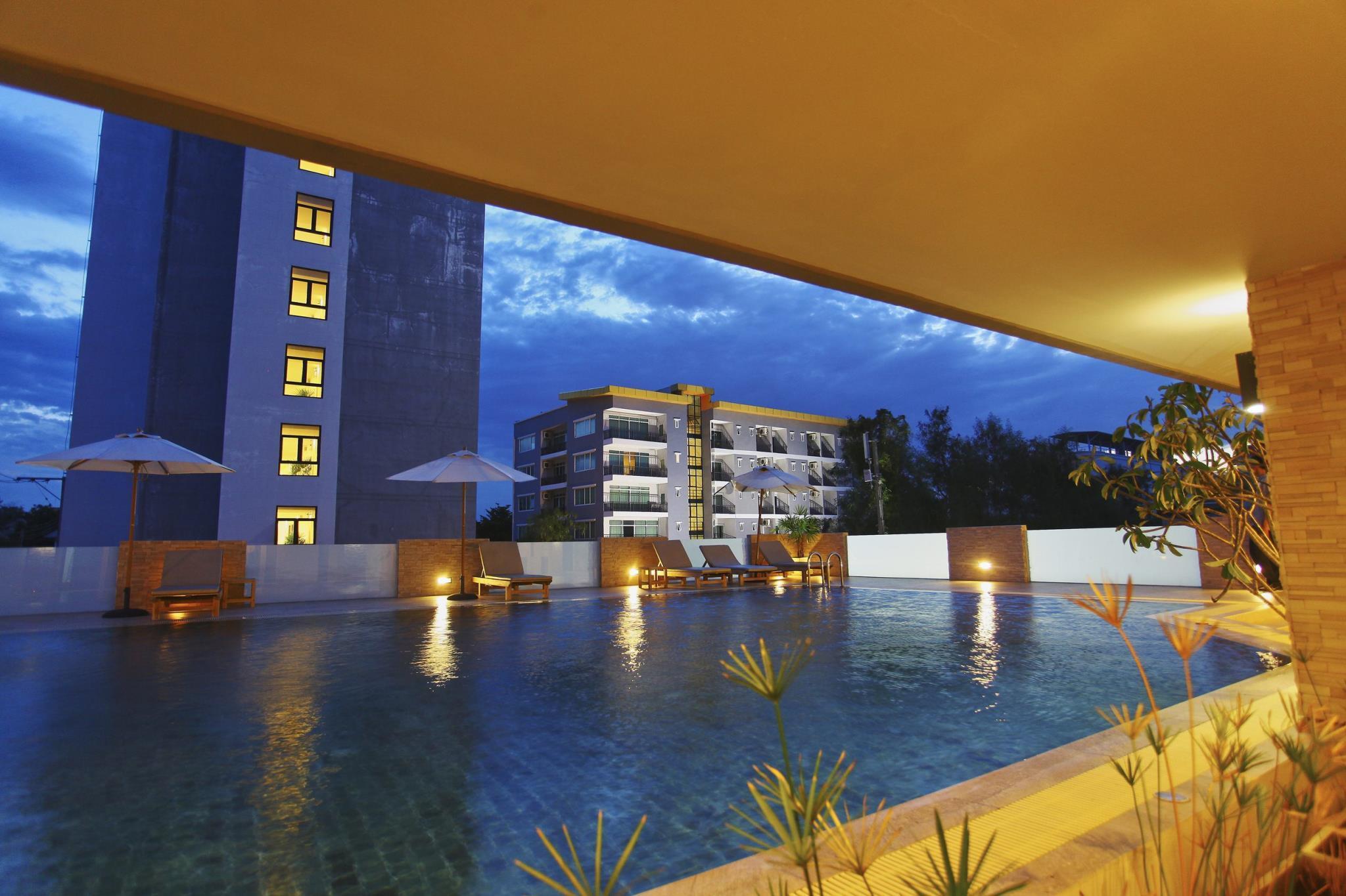 โรงแรมลี โนวา
