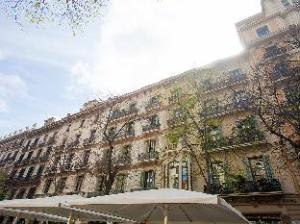 Rambla de Catalunya 6 Bedroom Apartment