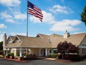 Hawthorn Suites by Wyndham St. Louis Westport Plaza