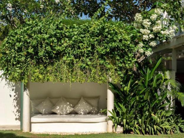 Stunning 5BR Luxury Private Villa Beachfront