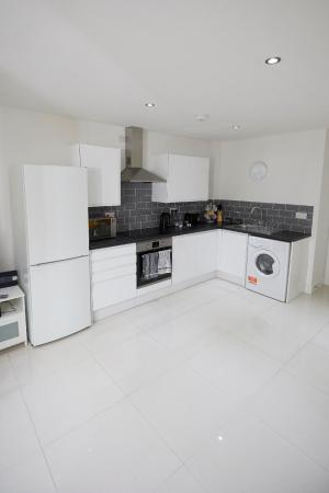 1 Bed, Ground Floor Apt Free Parking and Free Wifi Southampton