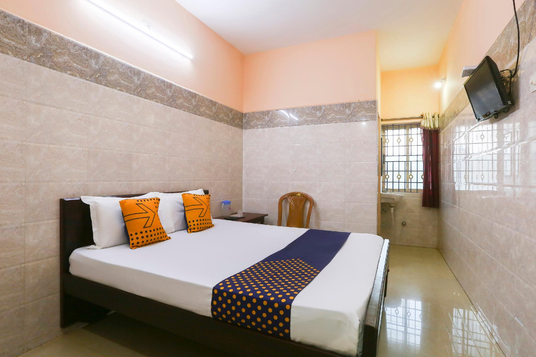 SPOT ON 43721 Classic Residency