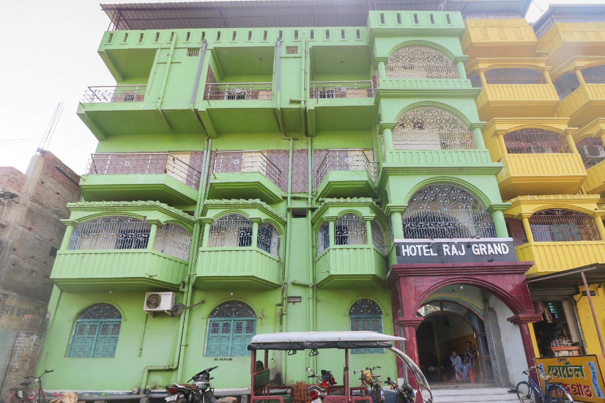 SPOT ON 63716 Hotel Rajgrand
