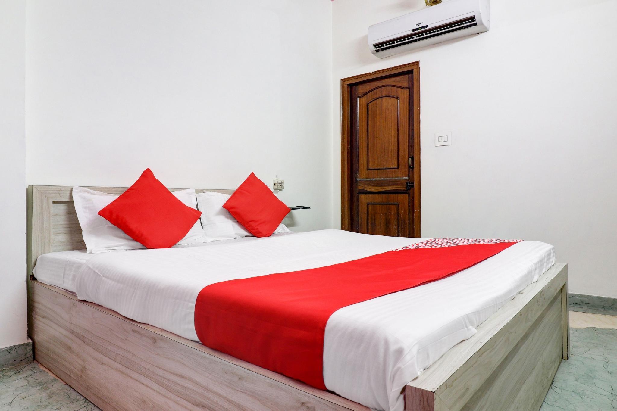 OYO 63305 Hotel Rozana