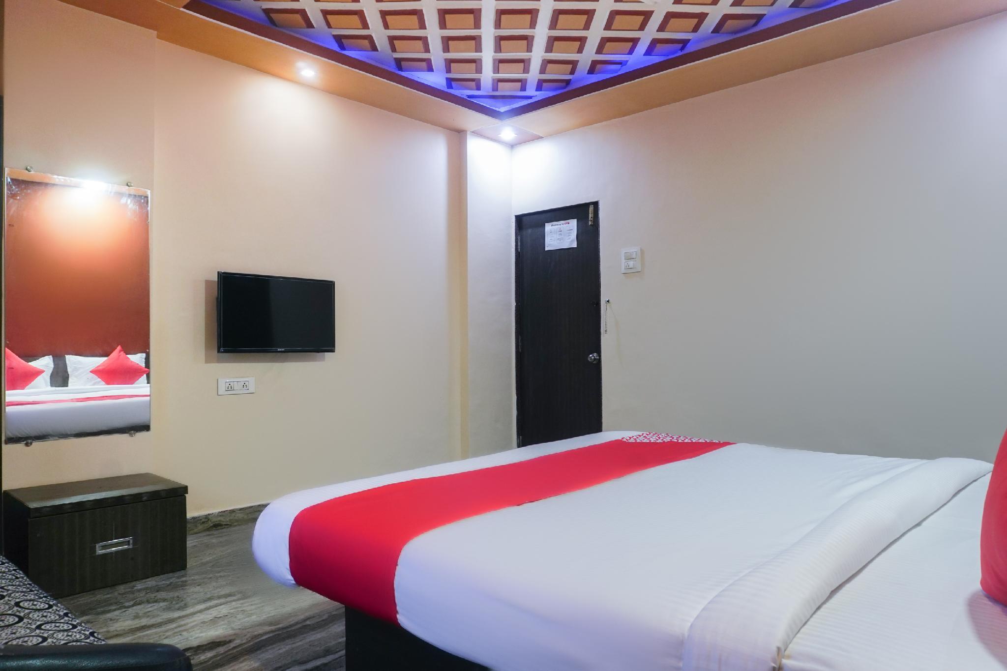 OYO 62832 Damayanti Lodge