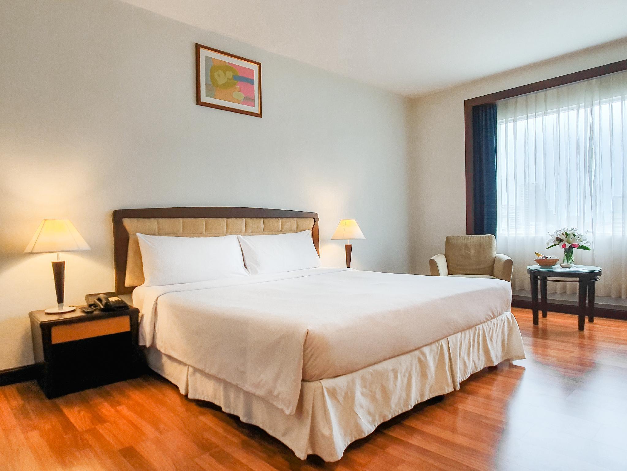Zenith Sukhumvit Hotel โรงแรมซีนิท สุขุมวิท