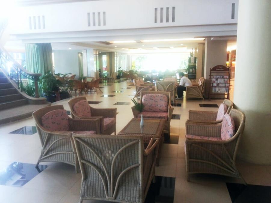 Long Beach Cha-Am Hotel โรงแรมลองบีช ชะอำ