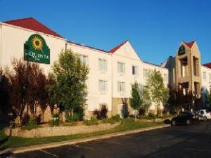 La Quinta Springfield Hotel