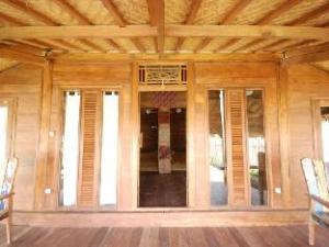 Villa Surya Abadi