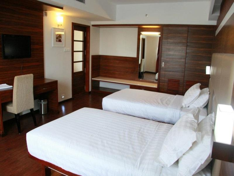 Price Hotel Moonlit Regency