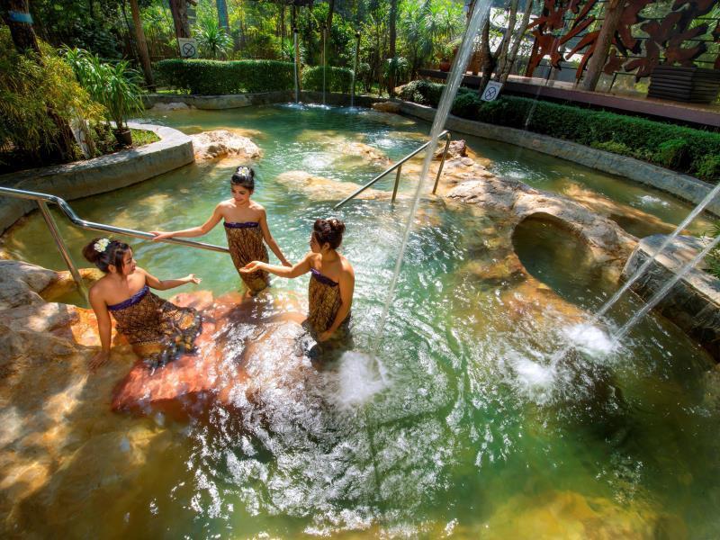 River Kwai Village Hotel โรงแรมริเวอร์แคว วิลเลจ
