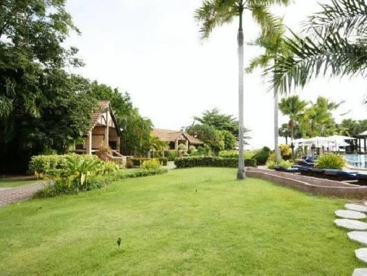Botany Beach Resort โบตานี บีช รีสอร์ท