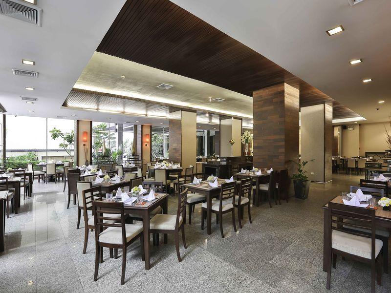 Sunbeam Hotel Pattaya โรงแรม ซันบีม พัทยา