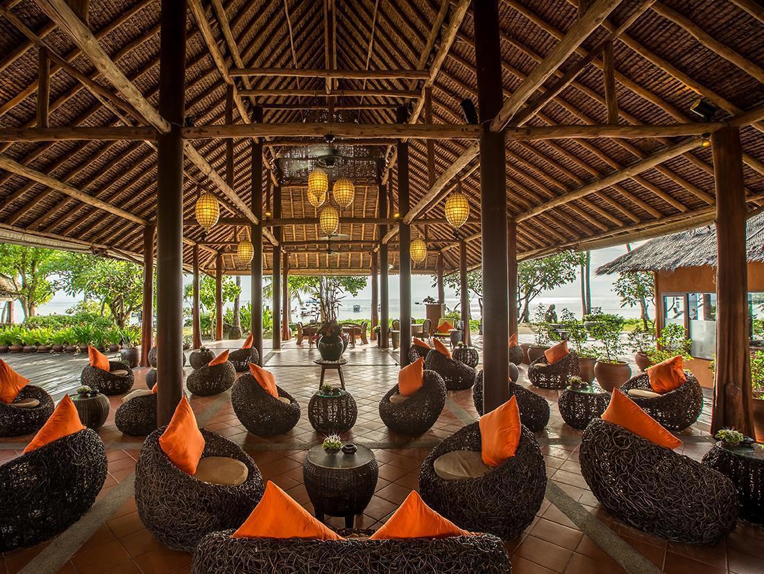 Phi Phi Island Village Beach Resort พีพี ไอส์แลนด์ วิลเลจ บีช รีสอร์ต