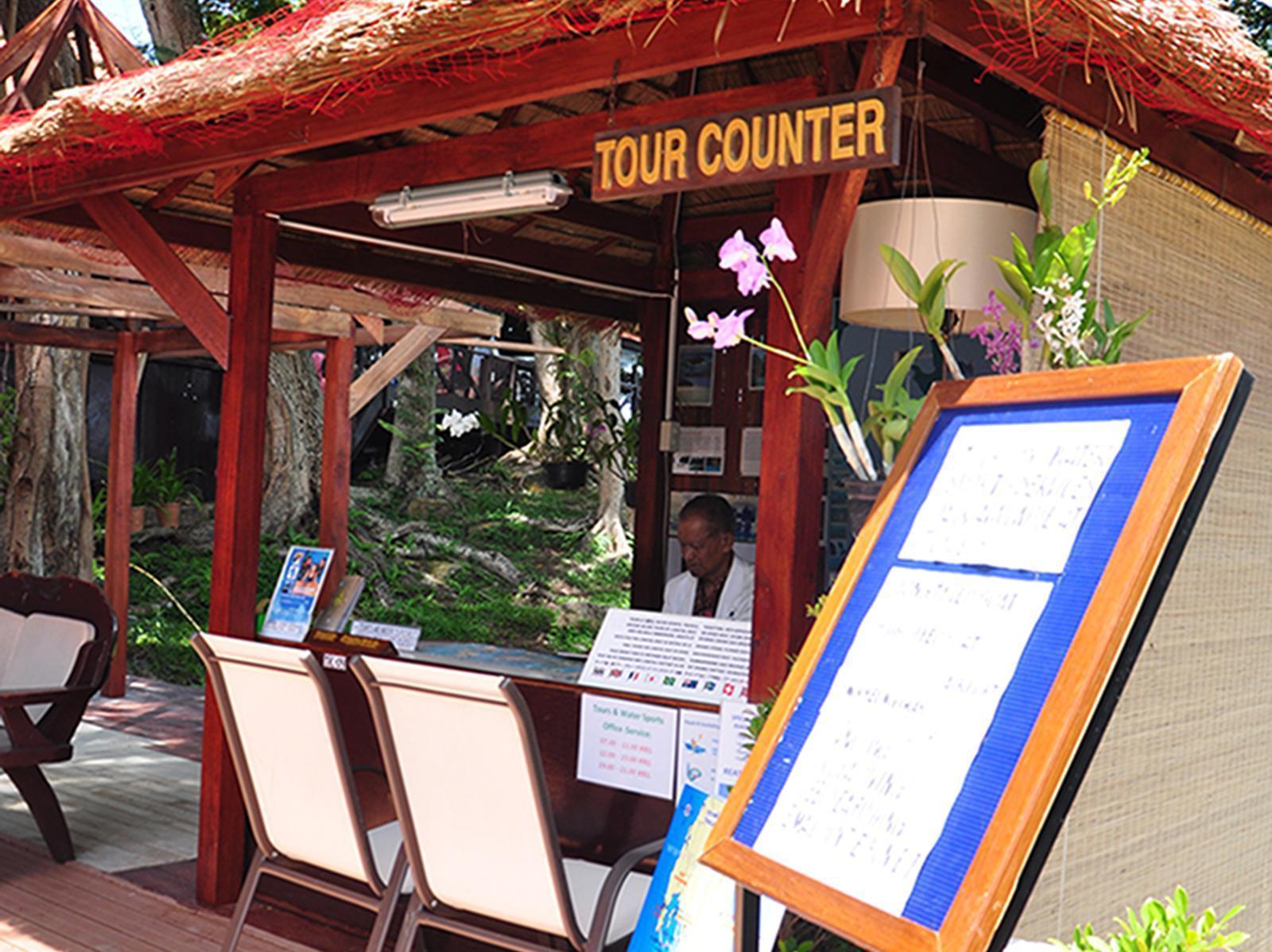 Phi Phi Natural Resort พีพี เนเจอรัล รีสอร์ท