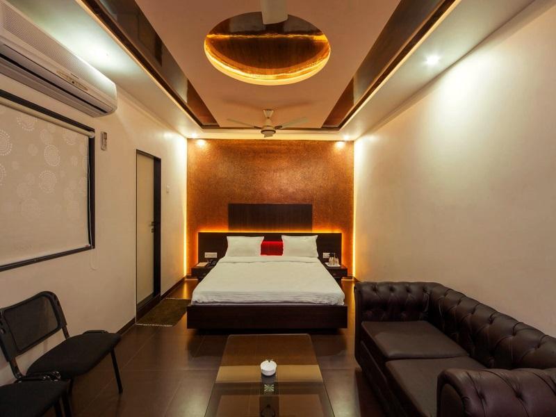 Discount Vista Rooms at Sardar Bazar