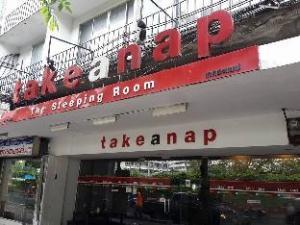 Take A Nap (Hostel)