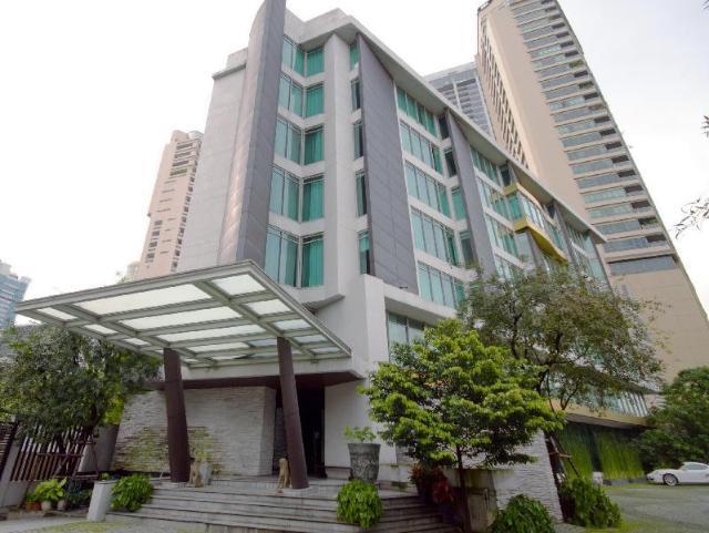 โรงแรมมาดูซิ – Maduzi Hotel