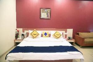 Vista Rooms at Shashtri Maidan