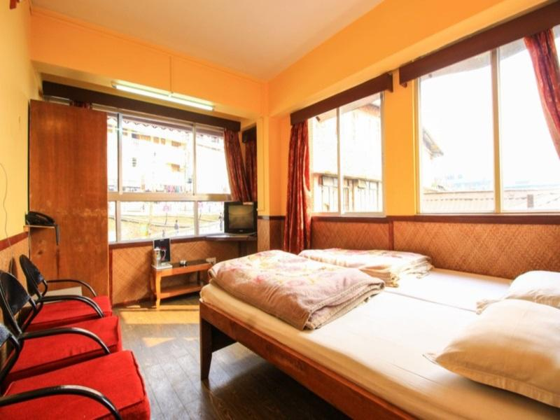 Price Seven Seas Hotel