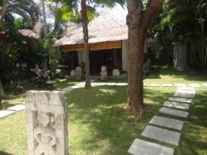 卡玛尔玛杜别墅 (Villa Kamar Madu)