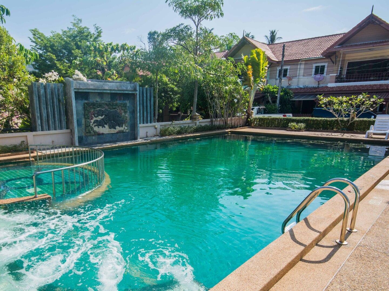 Poonsiri Pool Villa วิลลา 3 ห้องนอน 3 ห้องน้ำส่วนตัว ขนาด 130 ตร.ม. – นพรัตน์ธารา