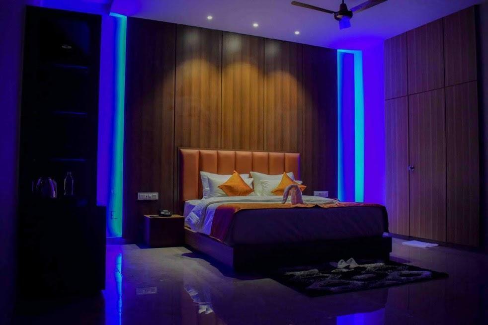 Ozone's Gold Coast Club House