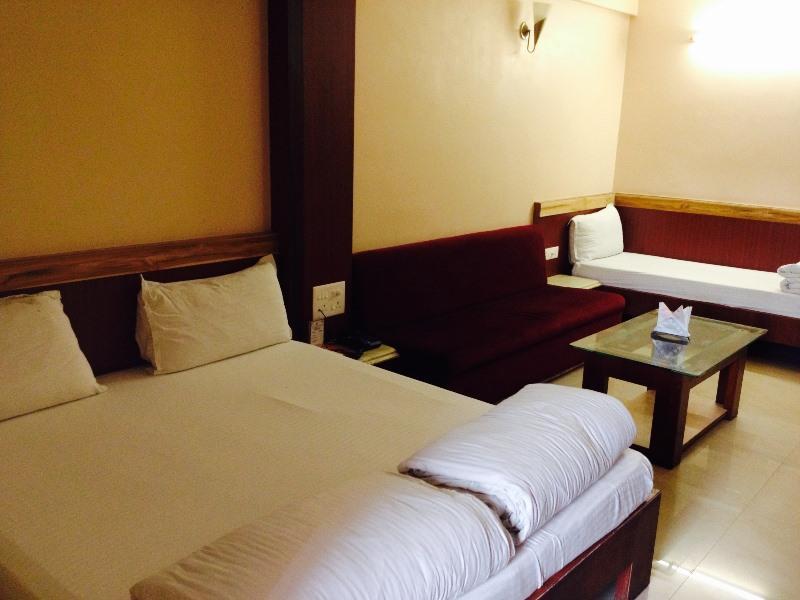 Jains Hotel Rajhans