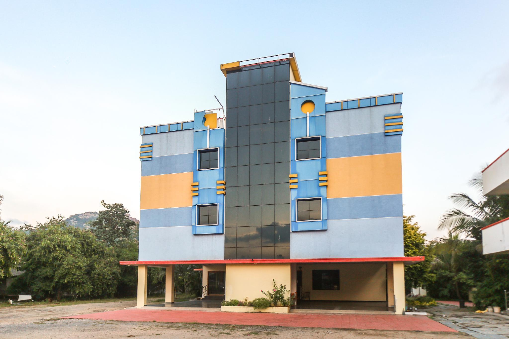 OYO 65953 Hotel Shashva Park