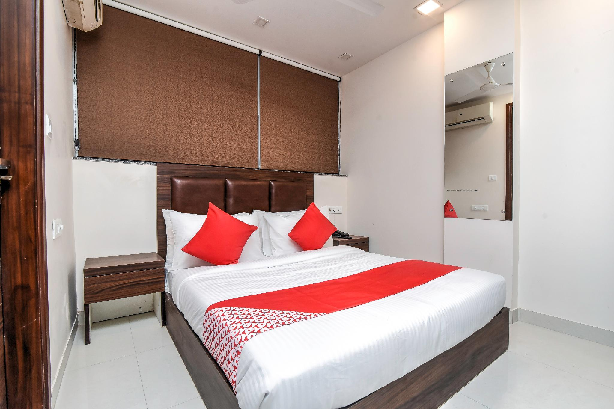 OYO Flagship 43289 Srikrishnan Residency Raja Mill Rd