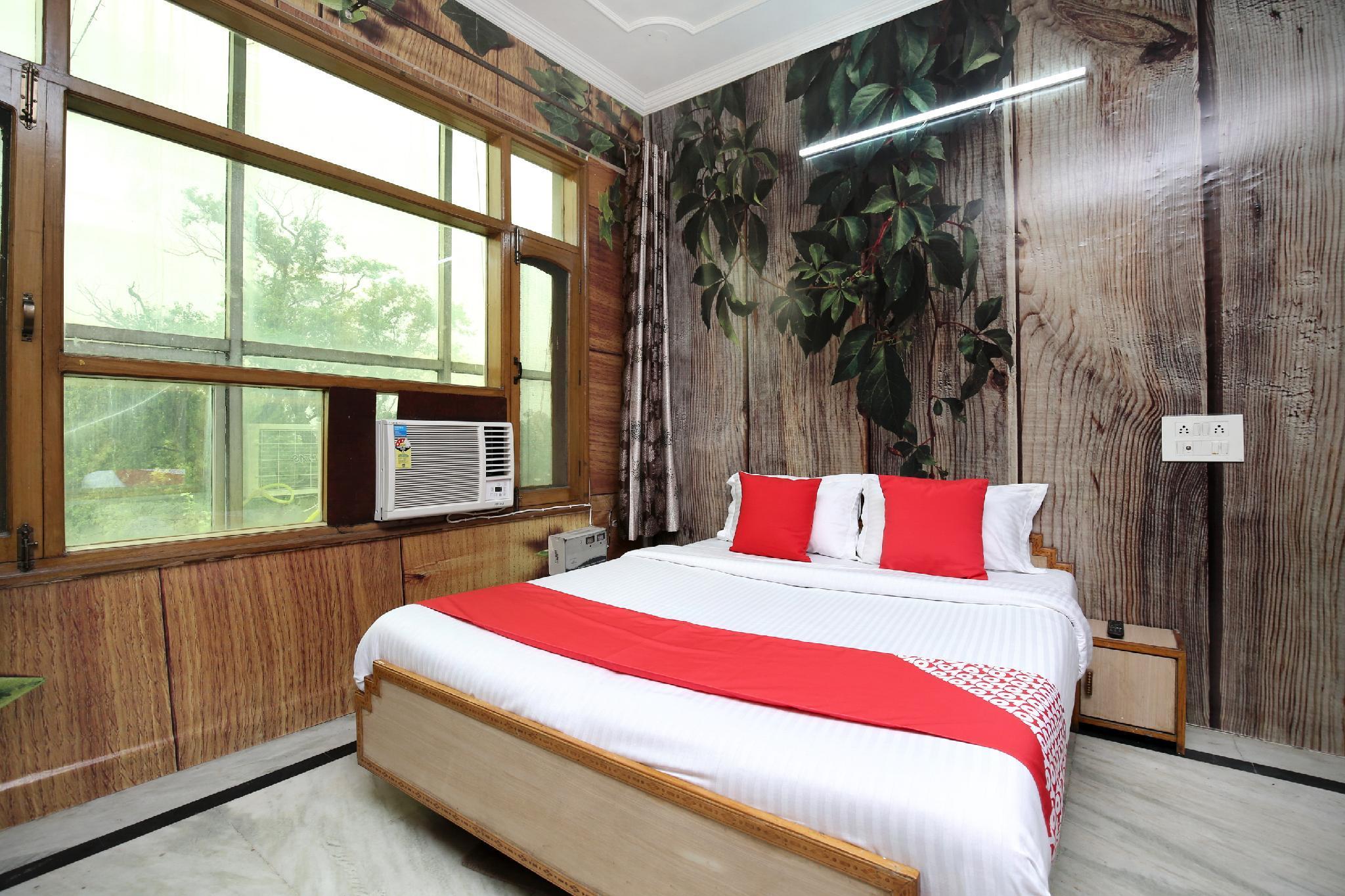 OYO 16736 Hotel Hm Crystal
